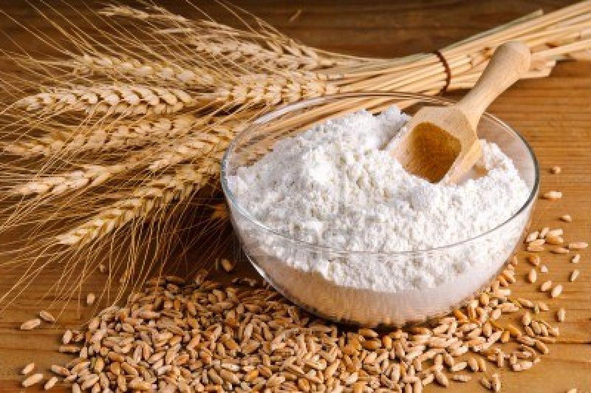 cách làm mặt nạ trắng da tự nhiên không bắt nắng bằng bột mì