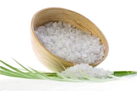 Cách tắm trắng bằng muối đơn giản nhất 1
