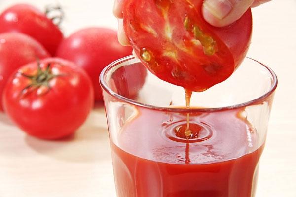 Cách làm trắng da nhanh bằng cà chua  3