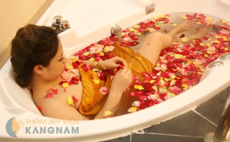 Tư vấn giúp tôi: tắm trắng có hại cho da không?4