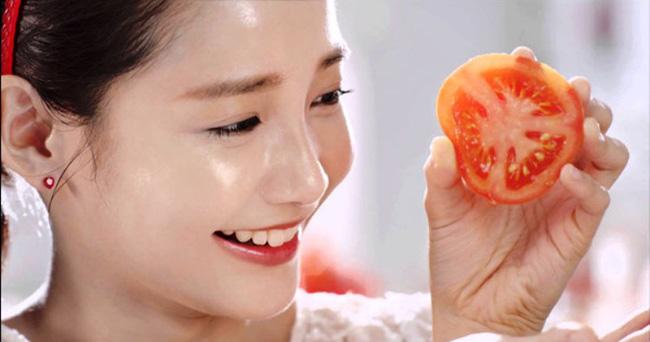 Image result for cà chua để trẻ hóa làn da