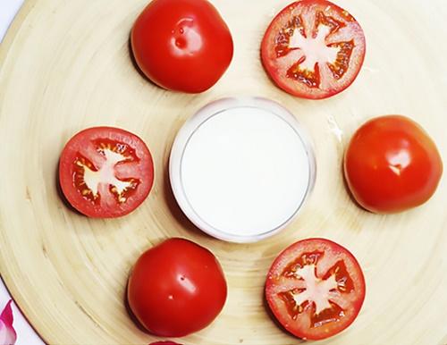 trắng da toàn thân với cà chua