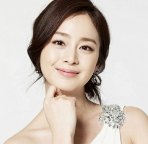 Bí quyết sở hữu làn da trắng hồng của Kim Tae Hee