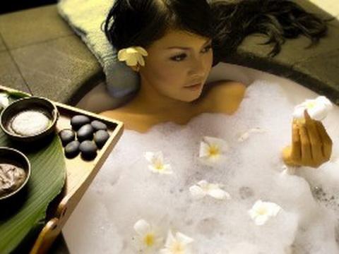 Tắm trắng bằng nguyên liệu thiên nhiên